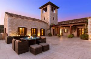 Villa Spotlight: Lavendar House 7